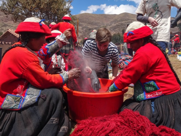 Colors Of The Andes Dyeing Wool The Peruvian Way Enigma Blog